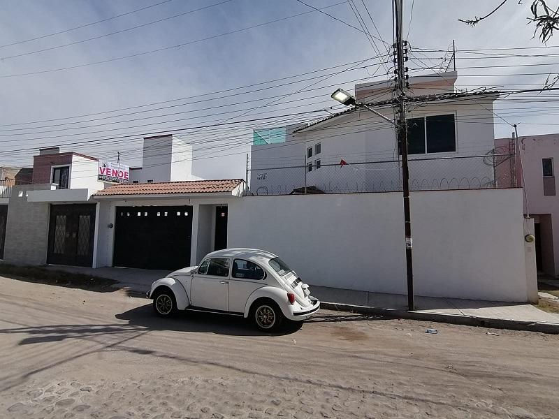Casa en RENTA / VENTA, San Juan del Rio, Granjas Banthi (Av. de los Patos) SJR-2325-62